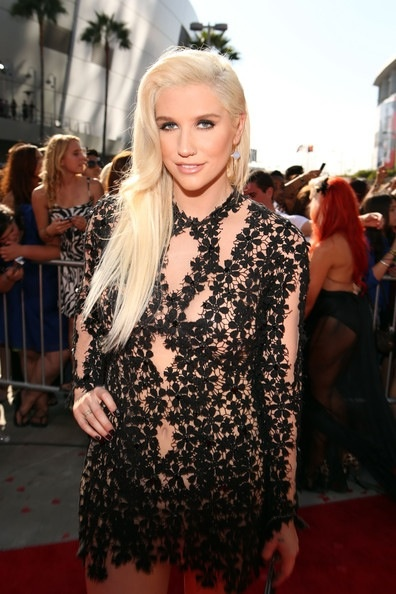 Platinum blonde locks : Color by Carrera Bailey (Wella Design Team USA) Ke$ha #blonde #celebrity #hair