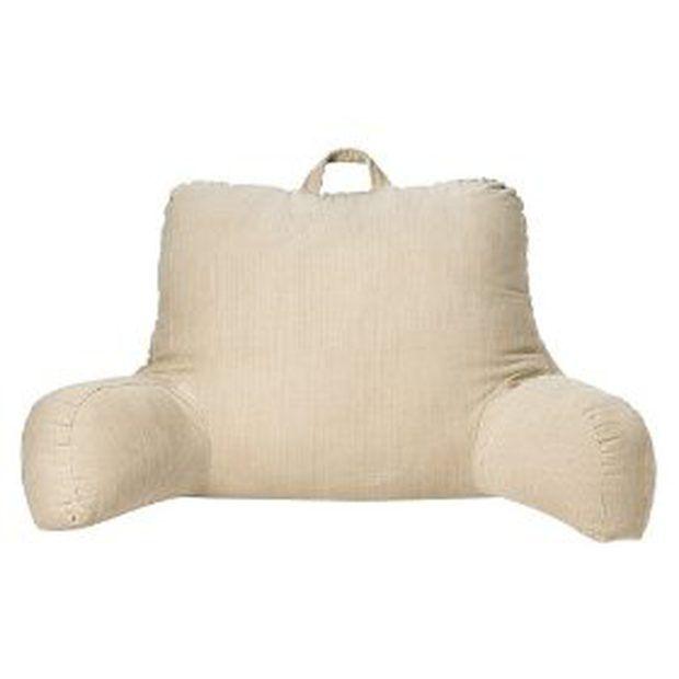 Cómo coser una almohada para descansar en la cama