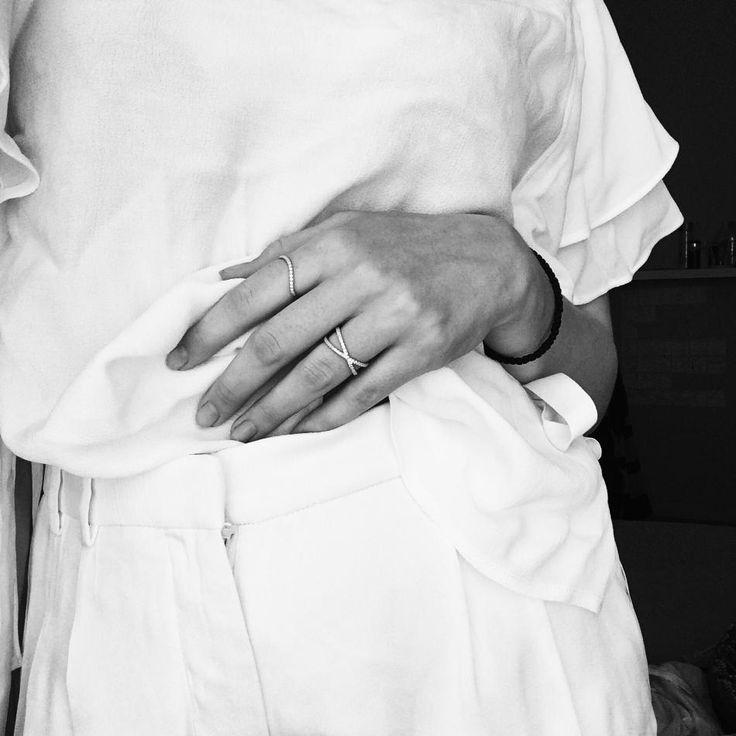 Classy #hvisk #hviskstylist #stylist #style #styling #fashion #jewelry #gold #zara #ring #bw #fasionista #love #white #summer