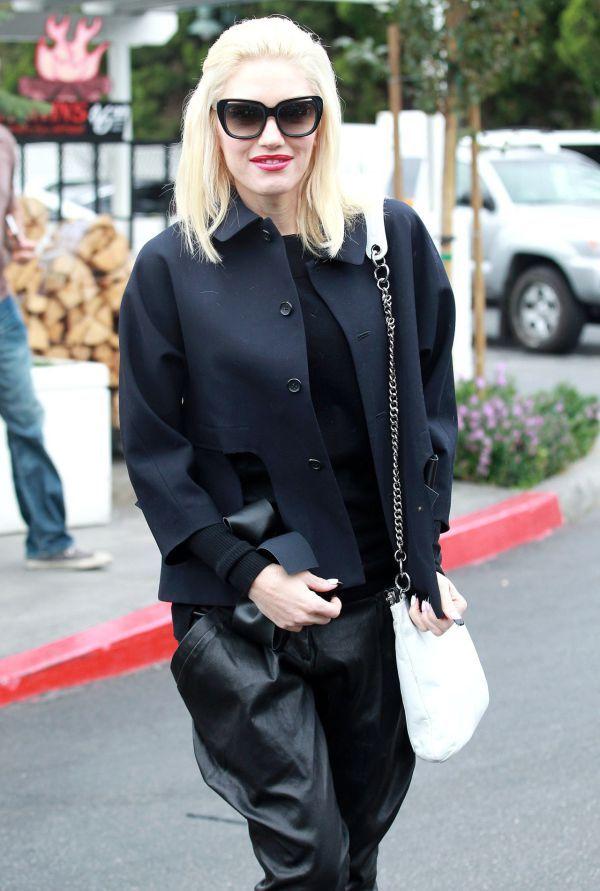 Gwen Stefani: V outfite à la čierna vdova ukázala nohavičky   Diva.sk