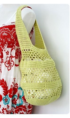 Ravelry: Crocheted Market Bag pattern by Derrin Berry - not a free pattern, but I want to use it as a reference for a more sturdy bag with wider handles