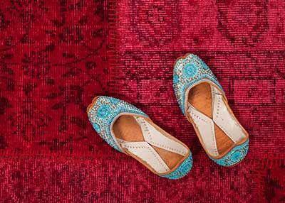 Barfuß auf dem #Patchworkteppich! Direkt aus der #Türkei, natürllich handgemacht! Alle Muster und Farben auf http://www.sukhi.de/shop/patchworkteppiche.html