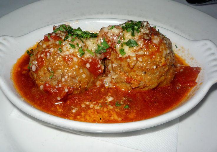 Burgonyás húsgombóc fűszeres paradicsomszósszal – csodálatos étel és hamar elkészül
