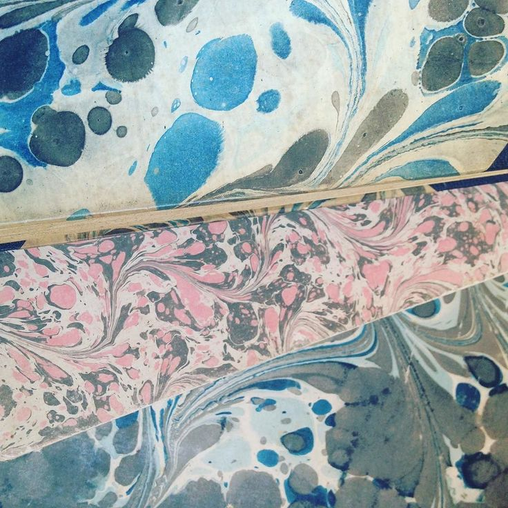 Beautiful books with marble covers from the a thrift store in Gilleleje #marbling #marble #ebru #book #vintage #patterns #surfacedesign #crafts  #bookart #bookbinding #marmorering #marmor  #bøger #mønstre #håndværk #kunst #bogkunst #bogindbinding #genbrugsguld #genbrug #genbrugsfund #design #surfacedesign #trends #secondhand #thriftstorefinds #linetteklitgaard