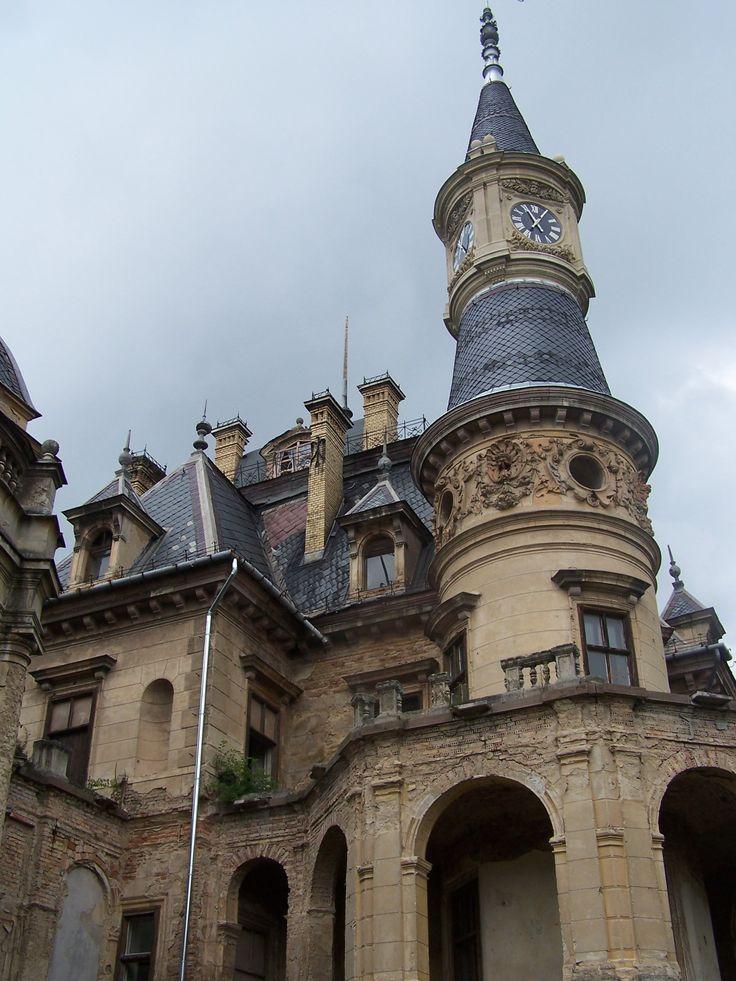 Castle of Tura