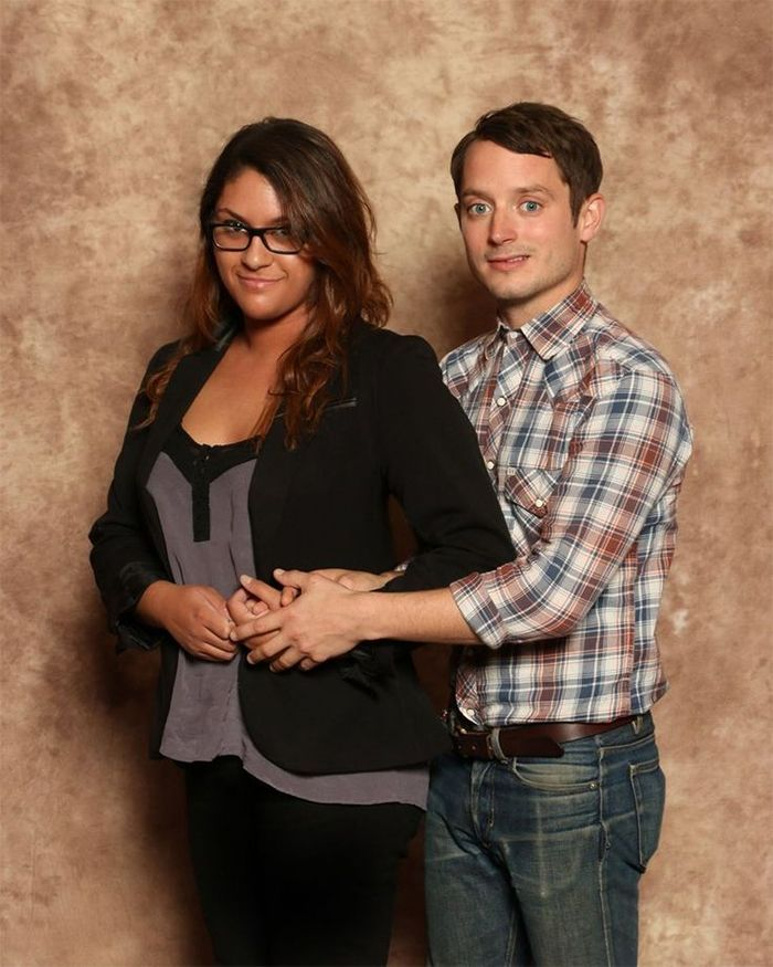 Nobody Takes Better Fan Pics Than Elijah Wood  – 20 Pics