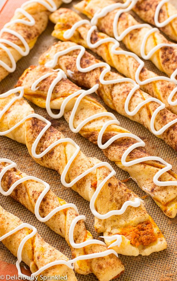 Here is a perfect treat for fall, try out these pumpkin pie twists!