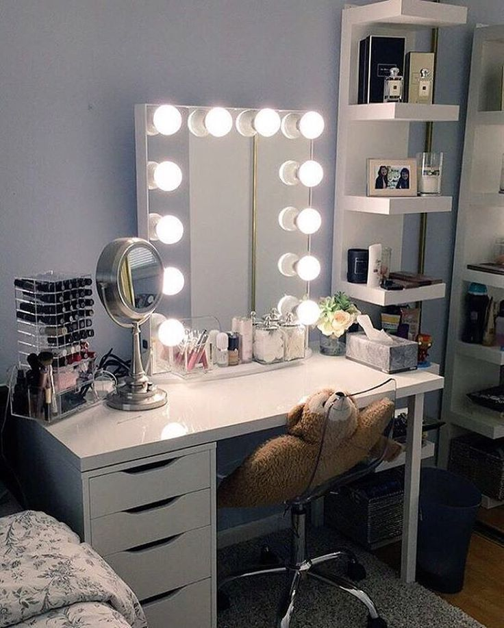 L-O-V-E @mairbearss vanity station, it's illuminating! ✨ This vanity station features our #ImpressionsVanityGlowXL and IKEA Linnmon table top, Alex drawers, and Lack Shelves