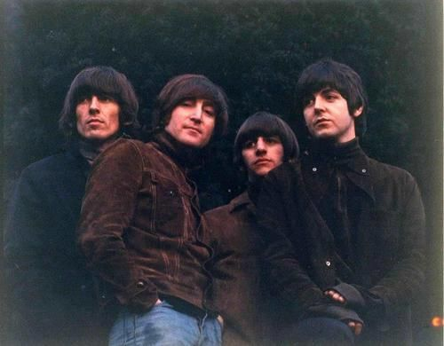 The Beatles, Uncropped, undistorted Rubber Soul cover photograph by Robert Freeman
