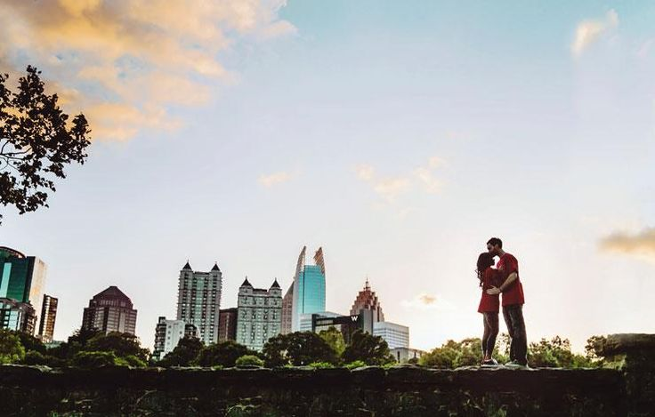 Atlanta, GA skyline engagement photo at Piedmont Park