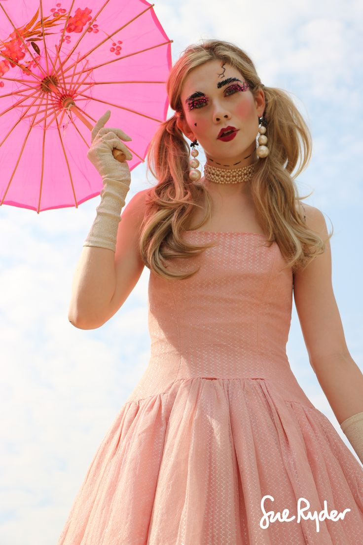 Bonafidebride diy project sweet whimsical paper lanterns - Become A Living Doll This Halloween
