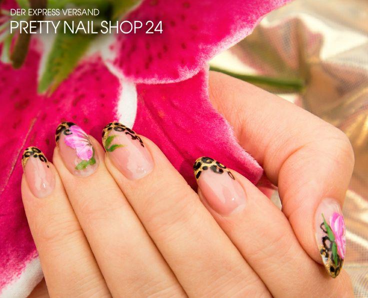 #flower #leo #nails #nailart Meine Kollegin Maren trägt zurzeit eine Kombination aus wildem Leopard- & Blumenmuster. Für das Naildesign braucht Ihr: Farbgel shooting star (Art.-Nr. 5370), Special Edition 4plus Make-Up Cover Gel natur (Art.-Nr. 3013), Nail-Art Pen schwarz pure (Art.-Nr. 489), One-Stroke Malfarbe dunkel magenta & weiß (Art.-Nr. 4805 & 4806), One-Stroke Malfarbe weiß & grün (Art.-Nr. 5370 & 4810). Viel Spaß beim Ausprobieren, Eure Martina