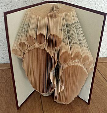 Babyvoetjes vouwen in een boek. Voorbeelden en downloads van patronen en een complete uitleg om de boekkunst te maken