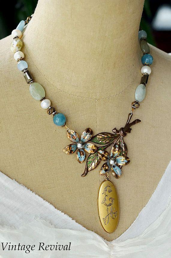 Forget Me Not / Vintage Necklace