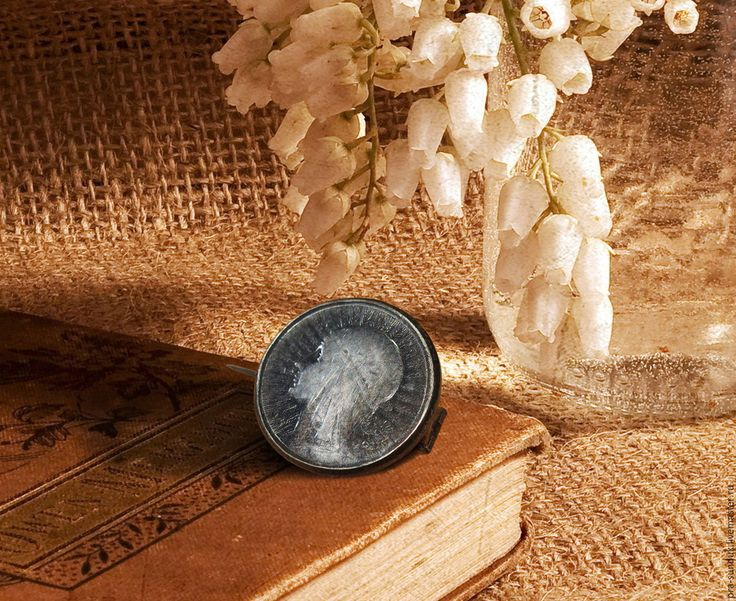 Старинная брошь-монета «Королева Ядвига» Европа.