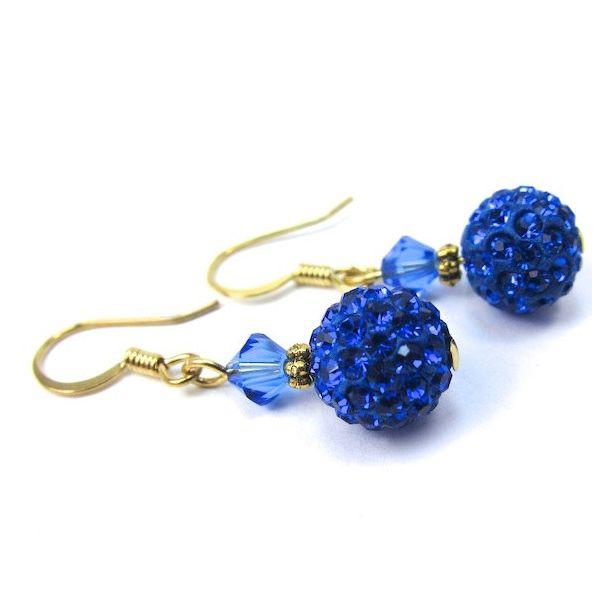 Fülbevaló inspiráció #SwarovskiElements #Pavé Ball és Xilion #Bicone kristály gyöngyökből #Sapphire színben.