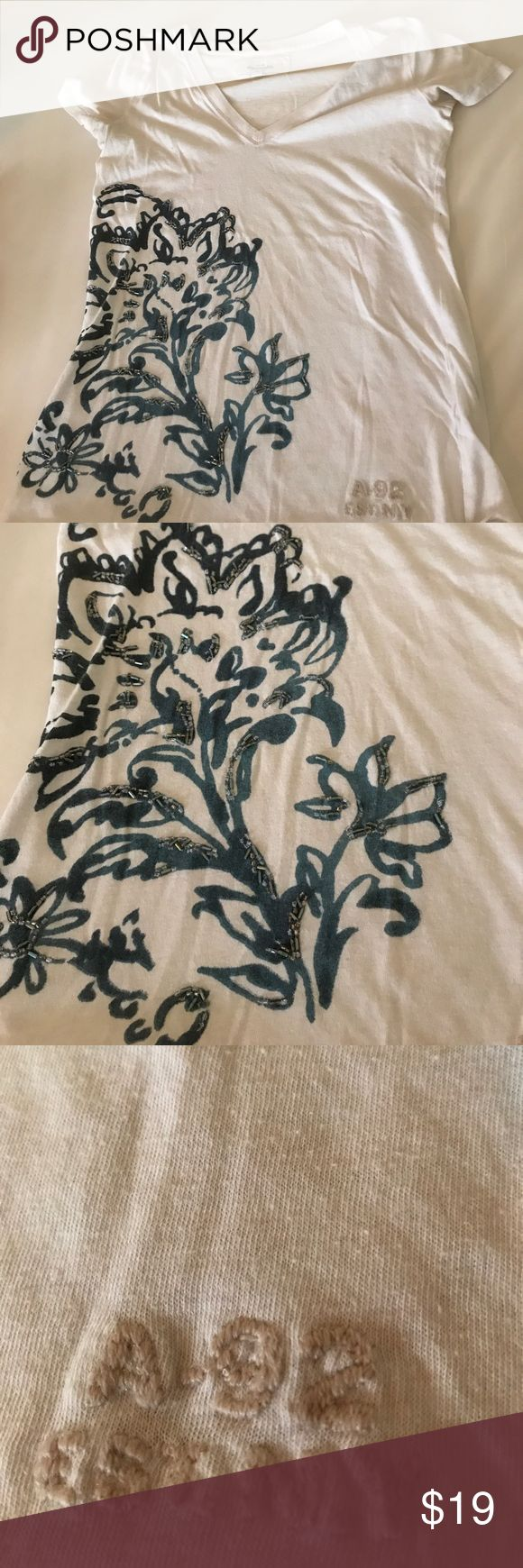 Abercrombie & Fitch Kids girls Sz XL tshirt EUC Pretty beaded flower design, great for back to school, bundle me abercrombie kids Shirts & Tops Tees - Short Sleeve