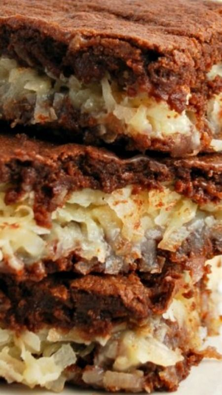 Coconut Macaroon Brownies ~ The gooey filling in these brownies is to die for!!