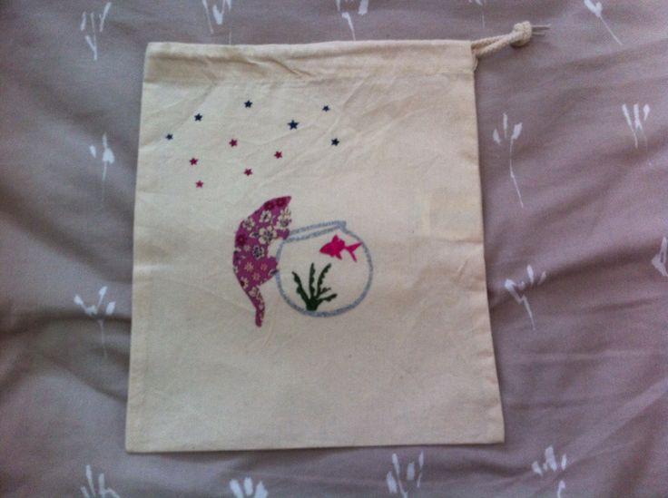 sac à doudou en coton pour fille , chat et son bocal rose liberty et paillette : Sacs enfants par nessymatriochka