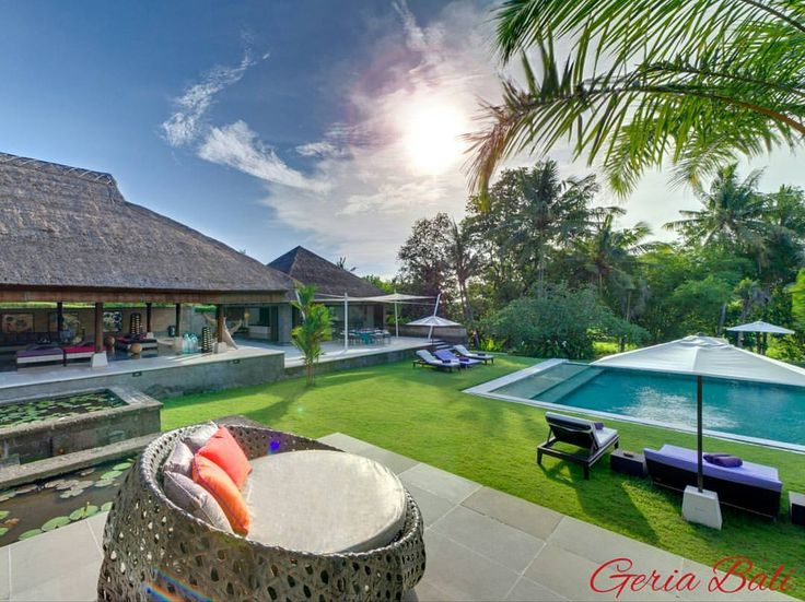 www.geriabalivillas.com/villa-chalina/ #bali #villas #geriabali #balivilla #beautifuldestinations #luxurybali #destinosmaravilhososbyeli #ootd #theluxurylifestylemagazine #hgtv #luxuryworldtraveler #holiday #tbt #vacation #honeymoon #wedding #luxuryvilla #luxurypersian #tgif #luxurious #villa #canggu #balibible #balibucketlist #instatravel #instagram #facebook #vscom #wonderland #wonderfulindonesia