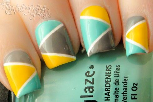 Turquoise, yellow and grey geometric nail art. Love it !