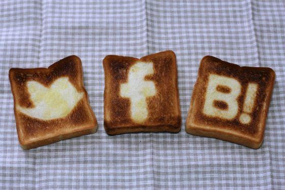 ソーシャルボタントースト(social button toast)