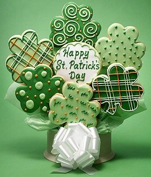 IMAGE ONLY~St patty's day cookie Bouquet idea!
