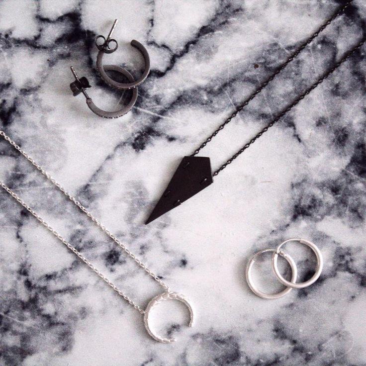 BECOME HVISK STYLIST #hvisk #hviskstylist #becomestylist #thejewelleryrepublic #hviskstyling #details #jewellery #danish #design #smykker #outfit #inspiration