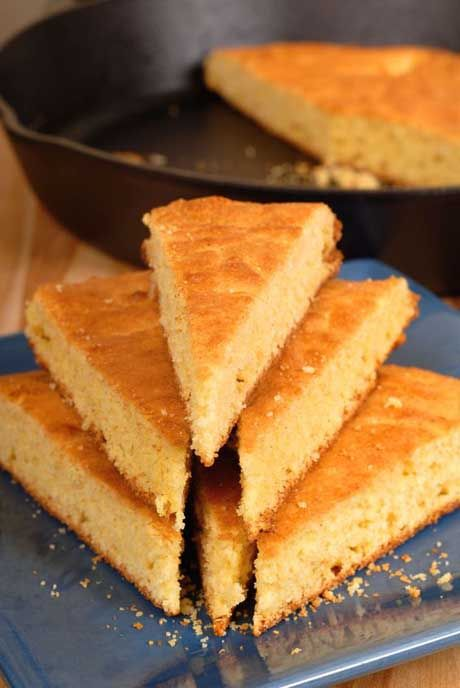 This Old-Fashion Cornbread is moist and delicious, not to mention made of #wholefood ingredients