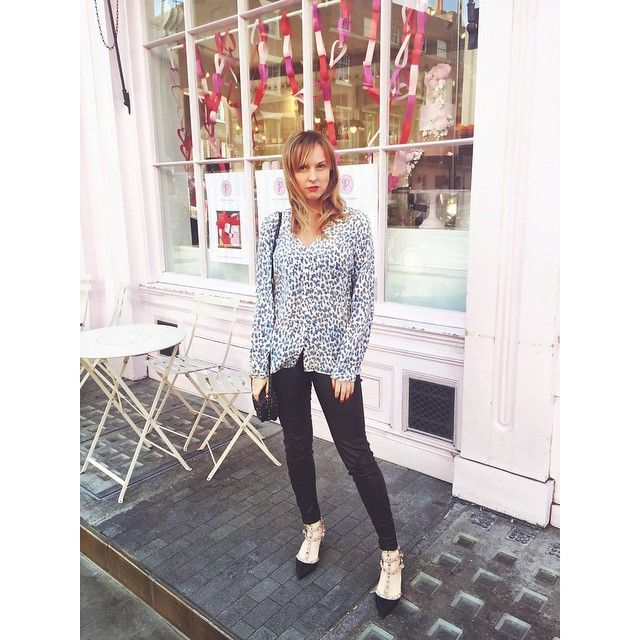 At #PeggyPorschen in #Belgravia wearing #Joie and #JBrand #Leathers with #Valentino #Rockstuds