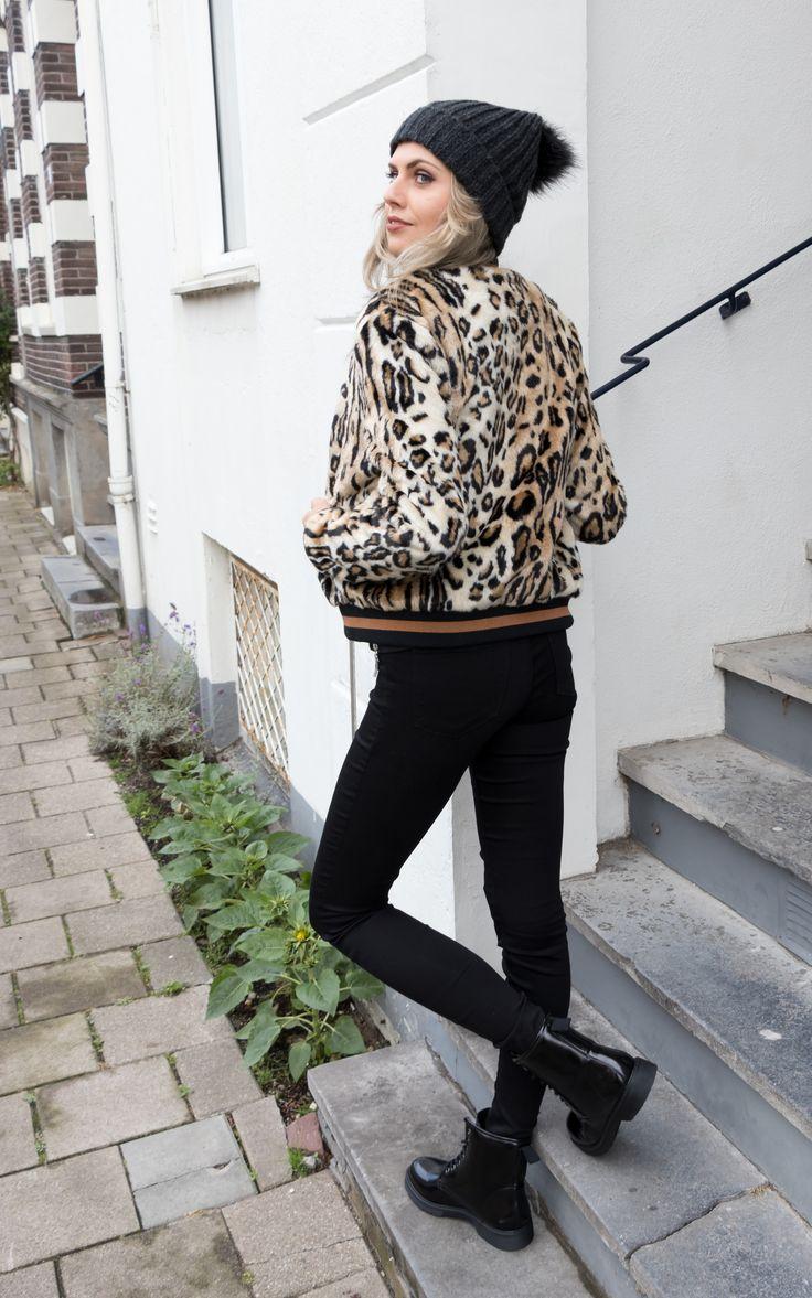 LEOPARD LOVE 🐆 #fashion #leopard #webshop #prints #animal #roar #shop #store #bikerboots #style #inspiration #cool #girl #model #photography #city #citywalk #pretty #winter #autumn