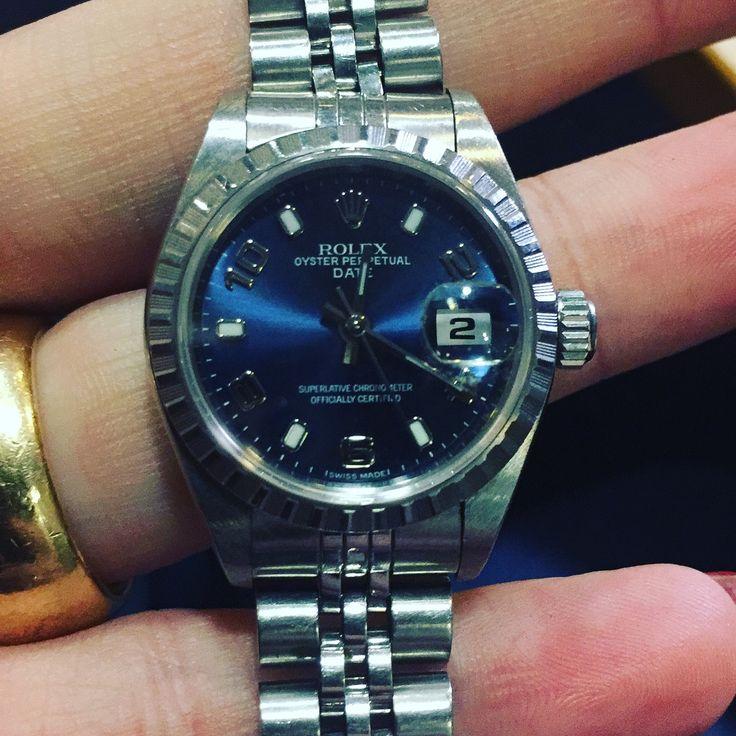 Inkoop Horloges  Heeft u een vintage horloge te koop? Wij zijn de grootste inkoper van vintage horloges, gebruikte horloges en zelfs beschadigde horloges. Verkoop uw horloge aan MaxGoud.