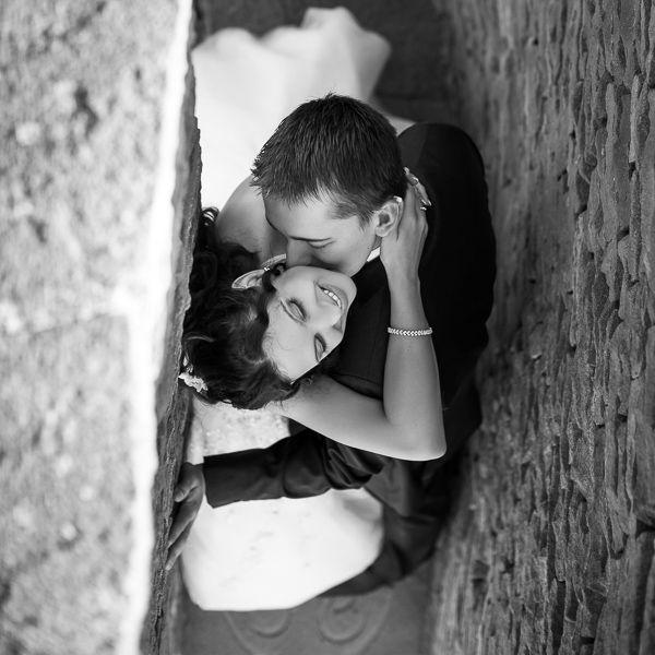 photo de mariés par photographe professionnel point de vue original