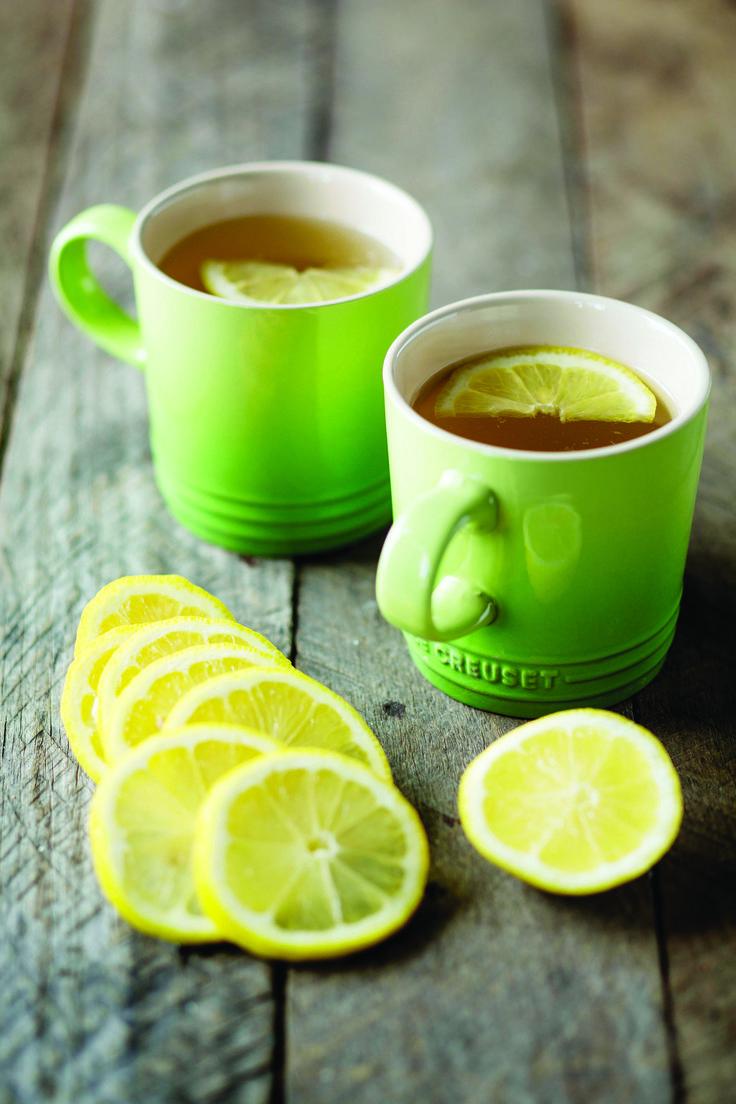 Cosa c'è di meglio di due tazze verde palma per un buongiorno di Primavera? #LeCreuset #Verde