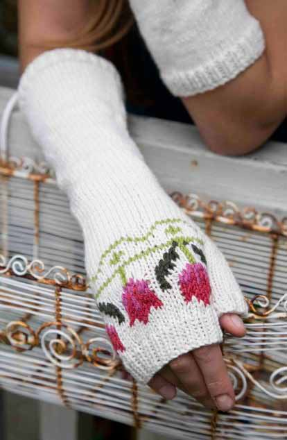 Tulip Fingerless Gloves - Free pattern from Floral Knits by Martin Storey @ SMP craft, thanks so for sharing xox ☆ ★ https://uk.pinterest.com/peacefuldoves/