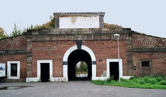 theresienstadt essay World history - theresienstadt: women's and children's lives in terezin.