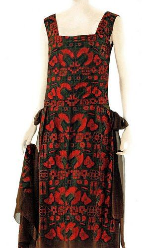 1922 Chanel - Design by Gabrielle Coco Chanel - Vintage Chanel 1920's chiffon dress