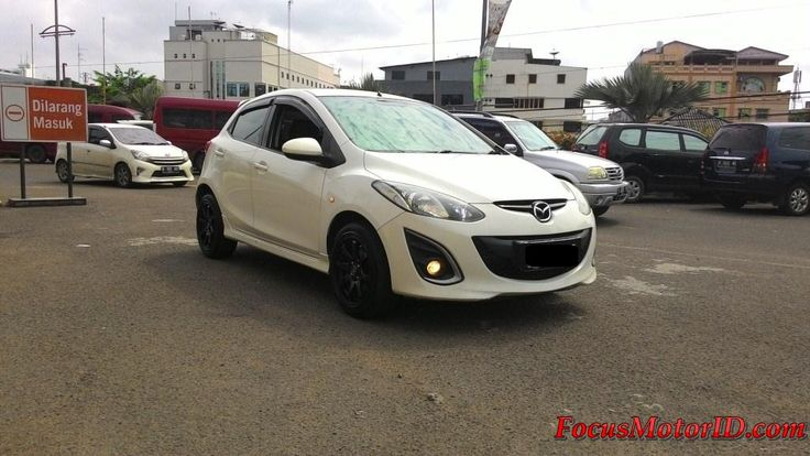 Mazda 2 HB S upgrade Model R AT Putih 2011   bln 8 Km45rb Record.  Airbags.  Electric Mirror.  Foglamp.  Sideskirt.  Bumperdpnmdl R.  Rearspoiler.  Talangair.  Mbtech.  Subwoofer active.  KF LLumar.  HU Touchscreen.  Velgracing.  Harga Termurah di : OTR 117JT   Hubungi Team FOCUS Motor:  (Chatting/Message not recommended )  Regina 0888.8019.102 Rendy 08128.1812.926