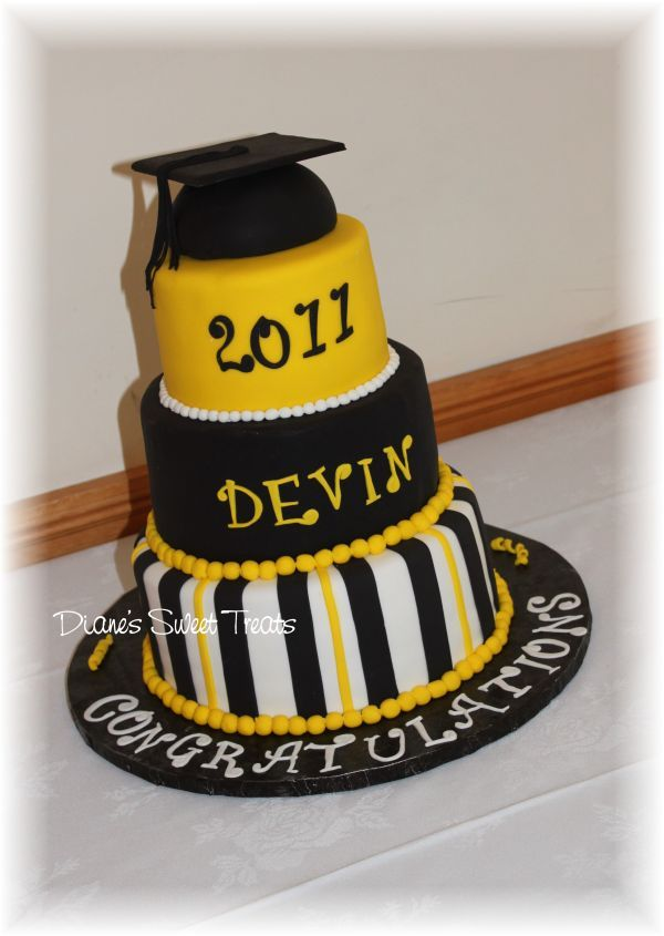 High School Graduation Cakes | Dianes Sweet Treats, Newington CT