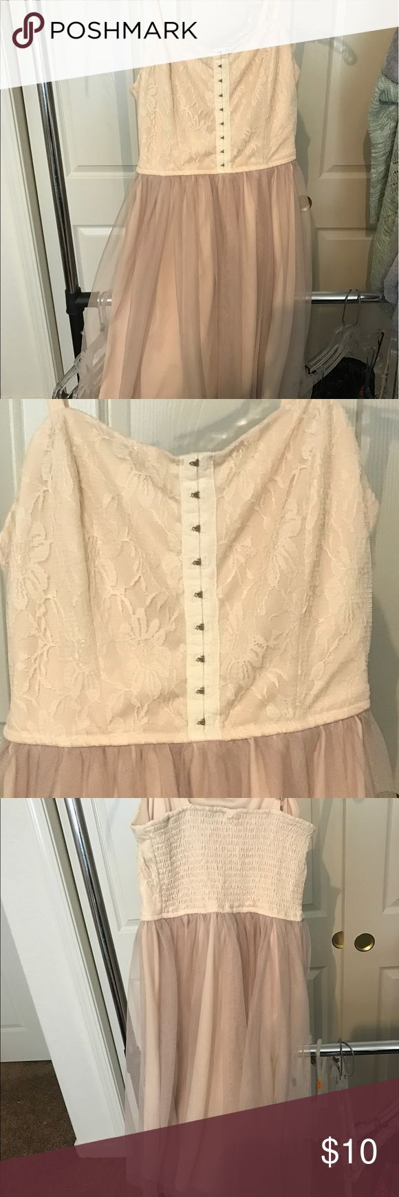 Cream color dress Very cute good condition Xhilaration Dresses Mini