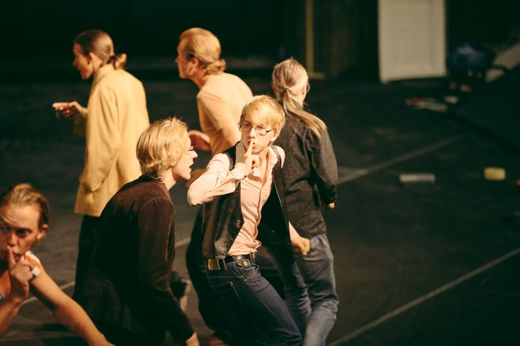 Aploodi teatterin esitys/The show of Aploodi teatteri