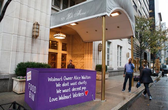 Walmart Employees Place Food Donation Bins at Doorstep of Alice Walton's $25 Million Condo < #BeTheChange and don't shop at Walmart until their workers are treated fairly and with respect.