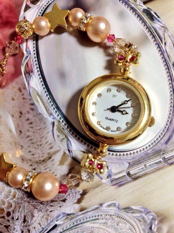 """LoveTrip☪⑅˚ COCOさんはTwitterを使っています: """"眠い目を擦りながら作ったちびムーン時計♡ 時計のサイドにピンクのリボンがあるのがポイントw #セーラームーン工作部 #セラムン工作部 http://t.co/rR25CKlmha"""""""