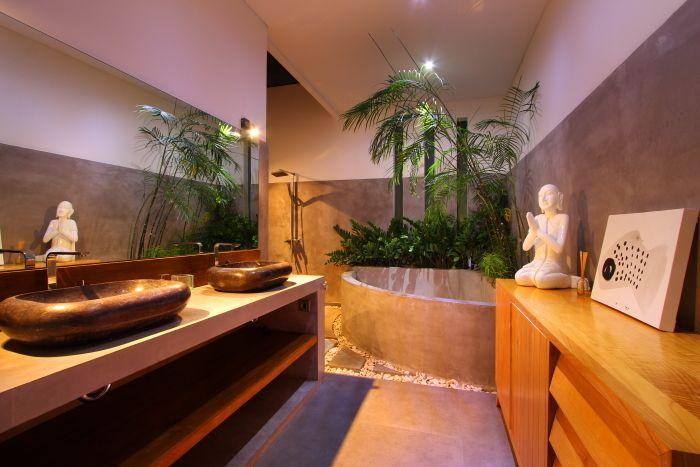 Chaque #chambre dispose d'une salle de bain #privée qui vous offrira #confort et intimité.