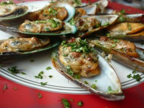 Изысканное дома: готовим запеченные мидии в соусах / Простые рецепты