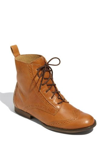 mertie boot, steve madden: Fashion Shoes, Boots Shoes Sandles Heels, Small Boots, Steve Madden, Sandals Shoes Boots, Cowboys Boots, Shoes Sol, Merti Boots, Bags Hats Shoes Shad