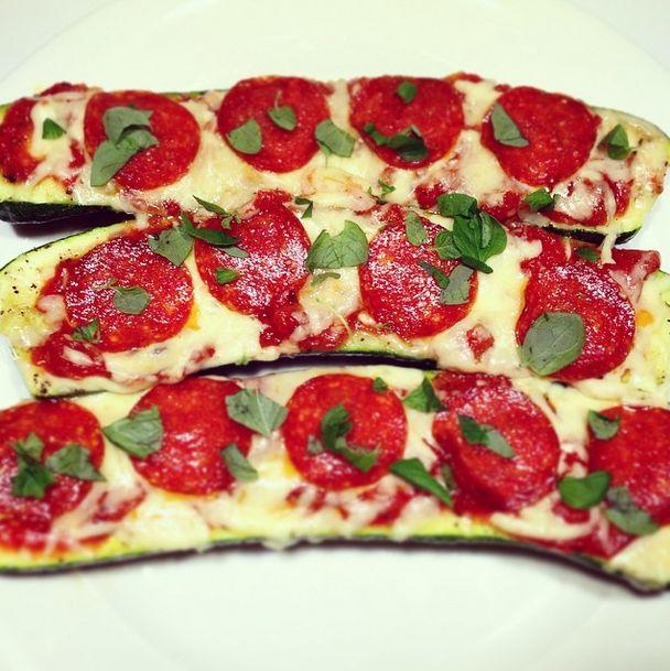 Kesäkurpitsa-pepperonipizzat