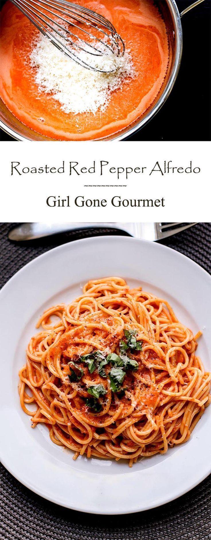 Creamy, smooth roasted red pepper alfredo | girlgonegourmet.com
