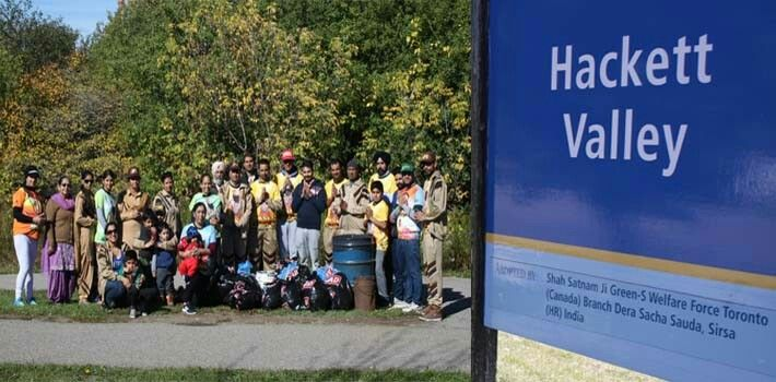 Cleanliness Campaign held by Dera Sacha Sauda volunteers, Toronto (Canada)