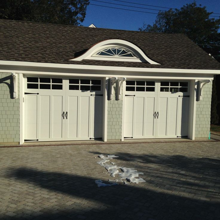 The Coachman Collection provides the high-end look of wood carriage house garage doors with the benefits of an insulated steel garage door. & 124 best Clopay Steel Carriage House Garage Doors images on ...